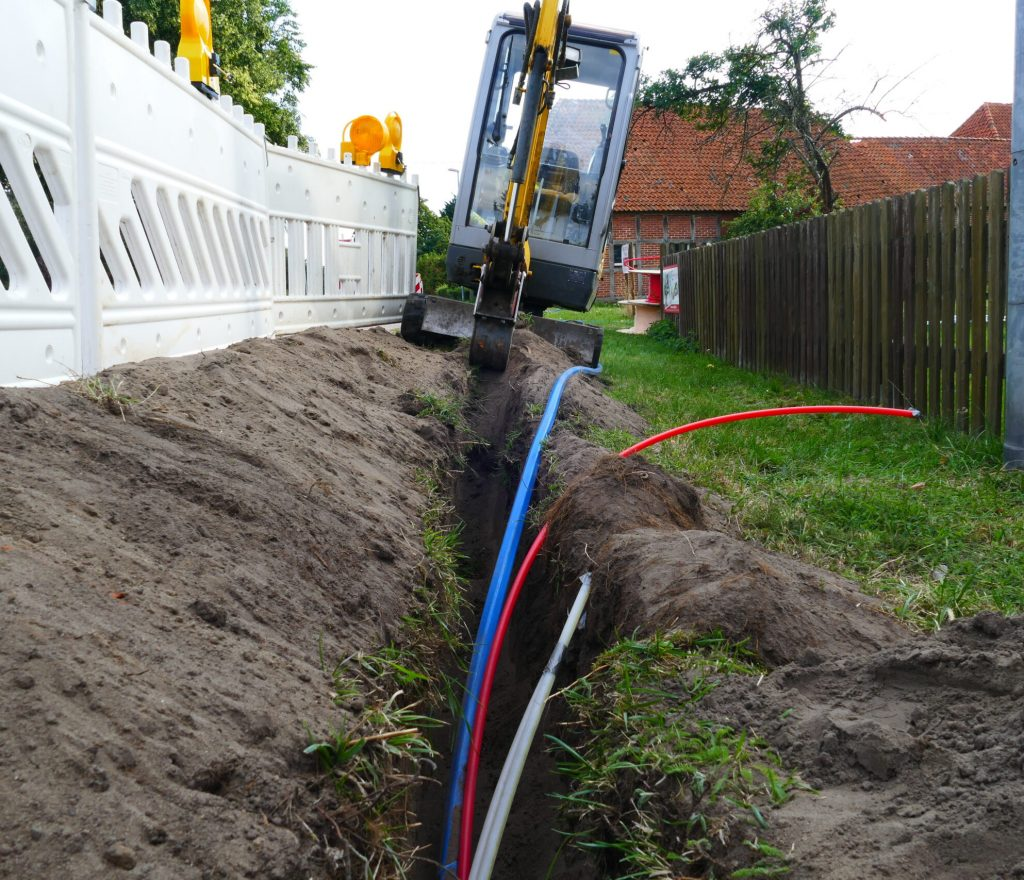 Fiber,Optic,Cable,Laying,In,The,Ground,,Buried,Cable,For